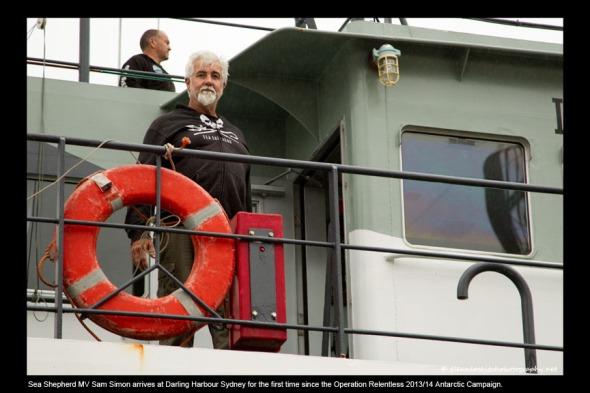 07_Sam Simon arrives at Darling Harbour Sydney 2014_© Glenn Lockitch